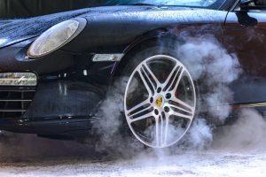 Bremsscheiben und Kloetze